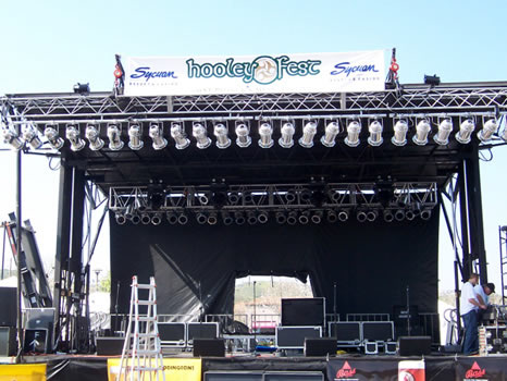 Kleege Industries – Staging, Mobile Staging and Rigging